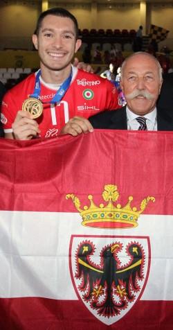 Matteo Burgsthaler e il Presidente Mosna