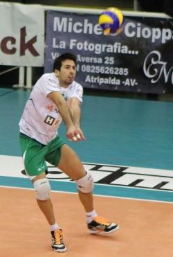 Antonio De Paola in azione con la maglia di Atripalda