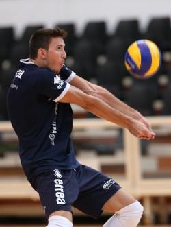 Alexandre Ferreira impegnato in ricezione