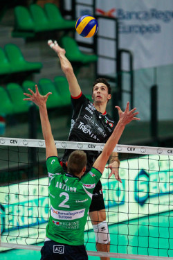 Alexandre Ferreira in attacco (1)