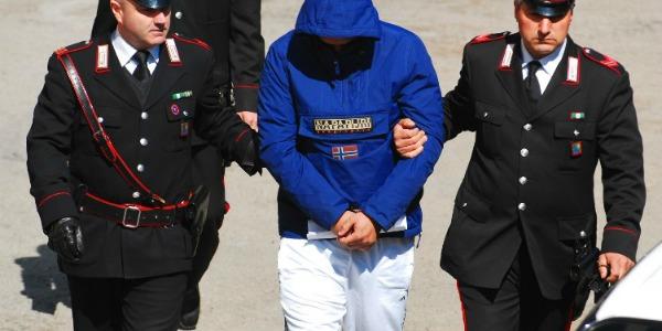 Arresto per furto carabinieri