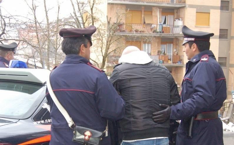 Carabinieri arrestato  violenza