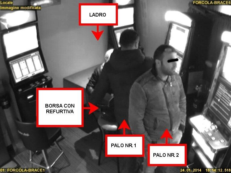 furti denunciati tre romeni