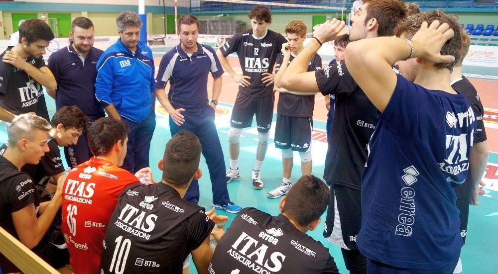Time out di Francesco Conci sulla panchina dell'Itas Assicurazioni Trentino Under 19