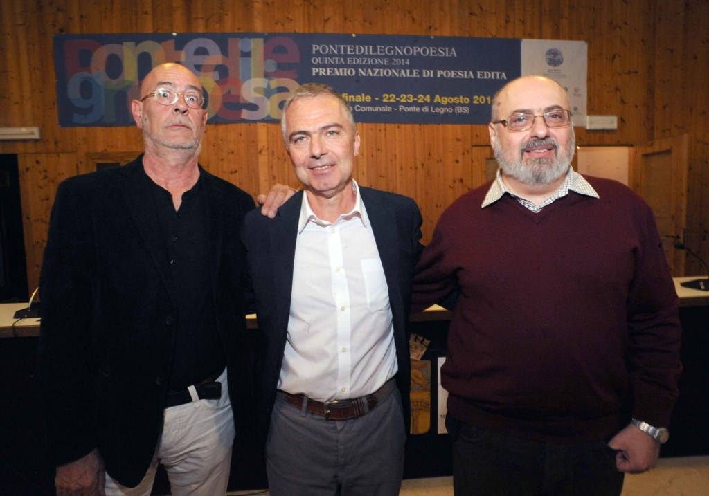 I tre premiati di PontedilegnoPoesia 2014. Da sinistra Mario Santagostini, il vincitore Giuseppe Grattacaso e Alessandro Quattrone