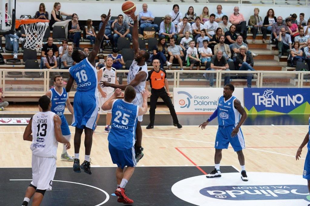 aquila basket trento cantù Grant tira sopra Cheikh