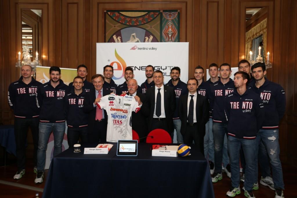 Foto di squadra con il nuovo Sponsor Energy T.I. Group