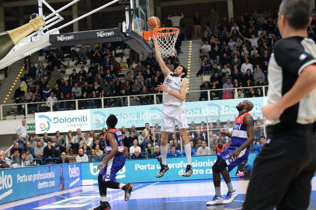 Pascolo-Aquila-basket-contro Brindisi