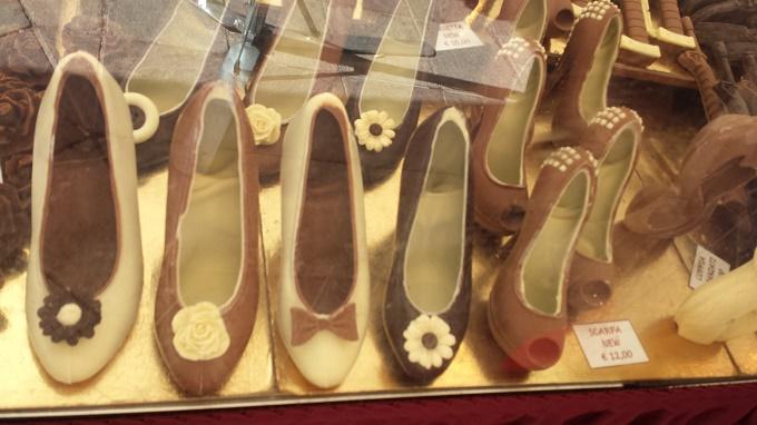 Ponte di legno scarpe di cioccolato