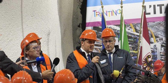 Rossi: visita gallerie Tassullo con premier Renzi
