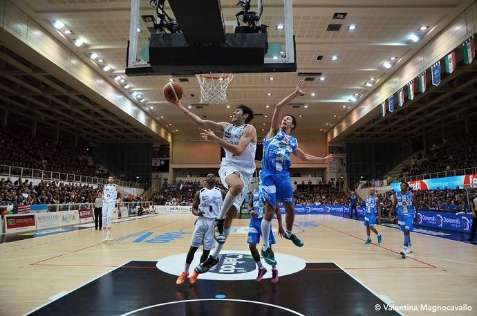 basket Trento contro Sassari