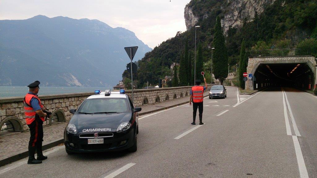 Carabinieri Riva Garda - controlli01