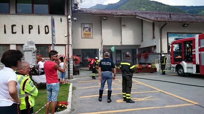 Vigili del fuoco - eseritazione Ponte di Legno