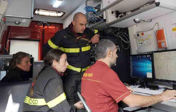 Unità mobile ricerche vigili del fuoco