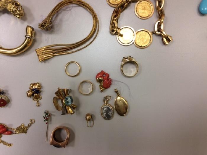 oro e beni sequestrati dalla Finanza