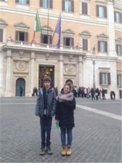 Venturato e de'Medici davanti a Camera