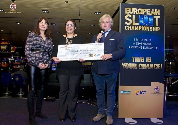 Casinò di Campione d'Italia premiazione di Cinzia Vincis vincitrice della seconda edizione  dell'European Slot Championship