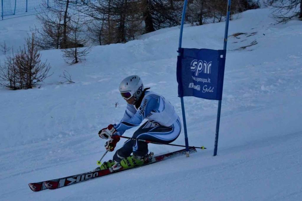 Eleonora Teglia in azione slalom gigante