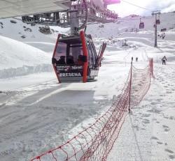 adamello ski piste cabinovia
