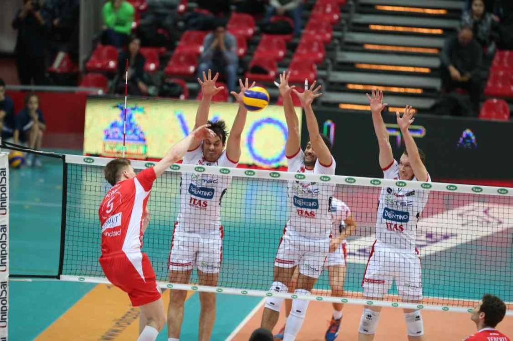 volley trento Muro a tre della Diatec Trentino