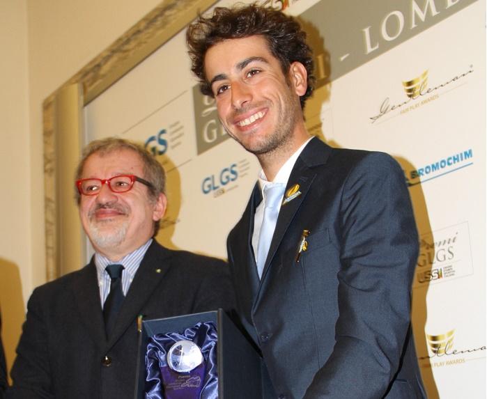Roberto Maroni premia Fabio Aru