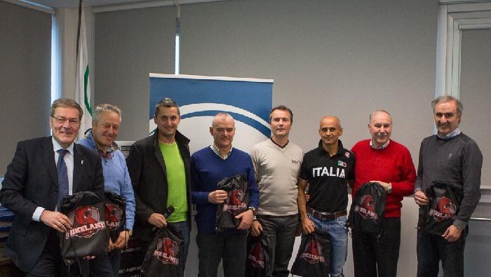 Sergio Battistini e i ct azzurri con Garniga e Riedmueller (foto Michele Mondini)