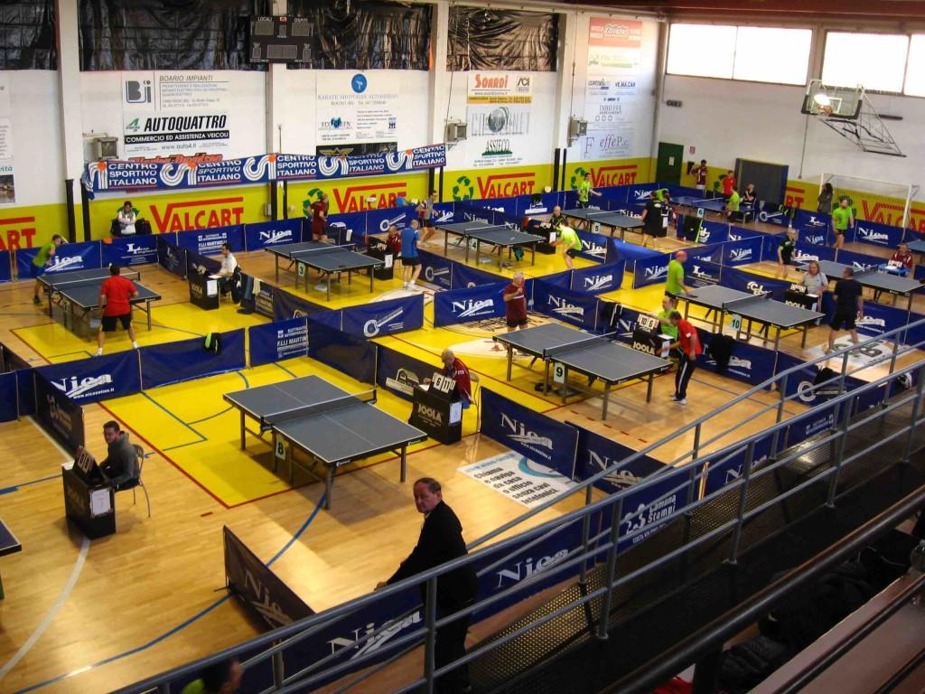 ping pong la palestra comunale di Rogno