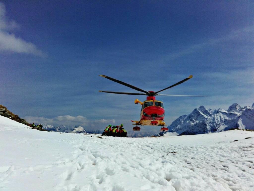 valanga soccorso alpino neve