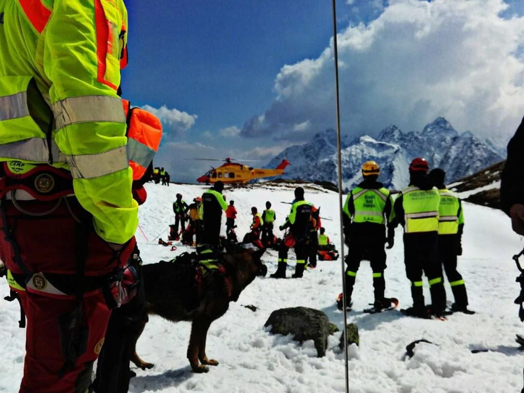 valanga unità cinofile soccorso alpino