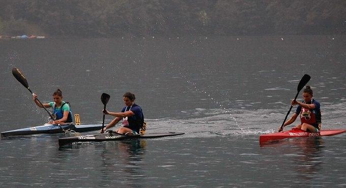 terzetto femminile canoa Ledro1
