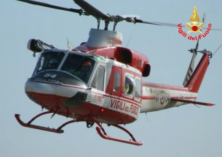Elicottero Vigili Del Fuoco Verde : Taio scontro tra moto e auto muore centuaro enne