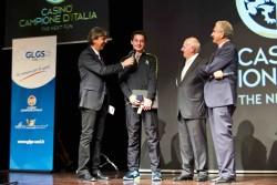 """Campione d'Italia """" Notte delle Stelle """" dello sport, la premiazione della promessa dell'atletica Filippo Tortu da parte dell'assessore Mariano Zanotta e Riccardo Signori del GLGS"""