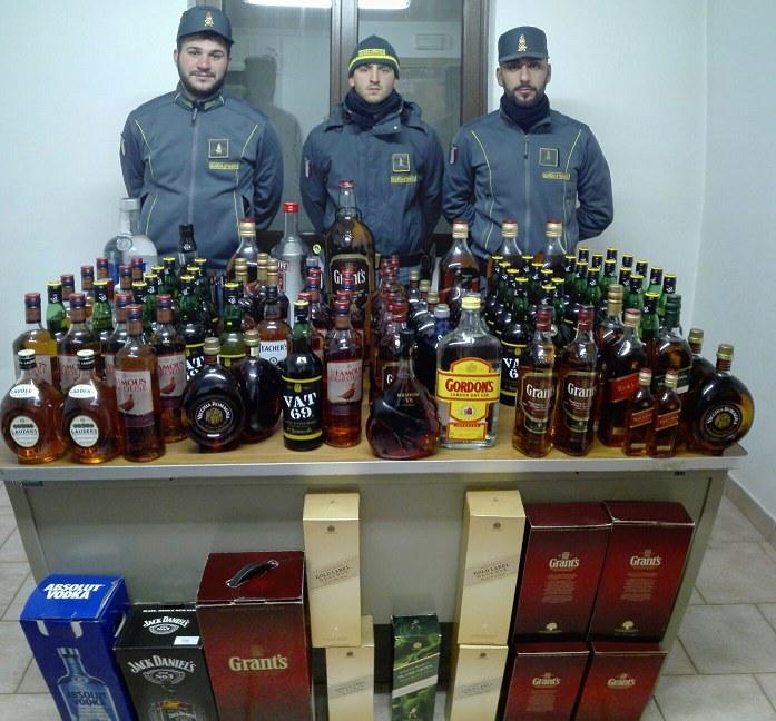 finanzieri-liquori-foscagno01