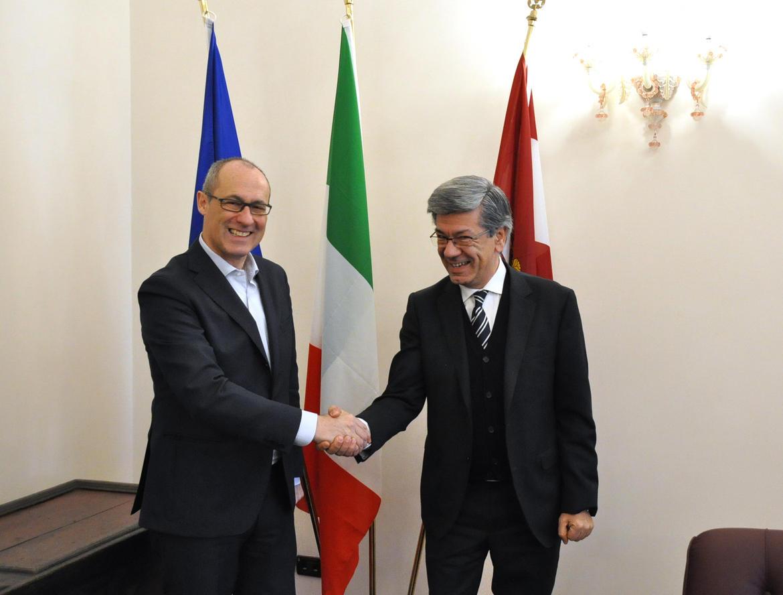 Il Nuovo Direttore Della Filiale Della Banca D Italia