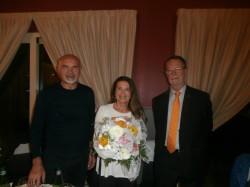 Da sinistra il presidente Nezosi, la moglie dell'avvocato Valseriati, Fulvia Sabbadini, e il past president Roberto Gheza