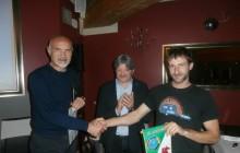 Il presidente Nezosi, il socio Panathlon Dario Domenighini e la guida alpina Marco Taboni