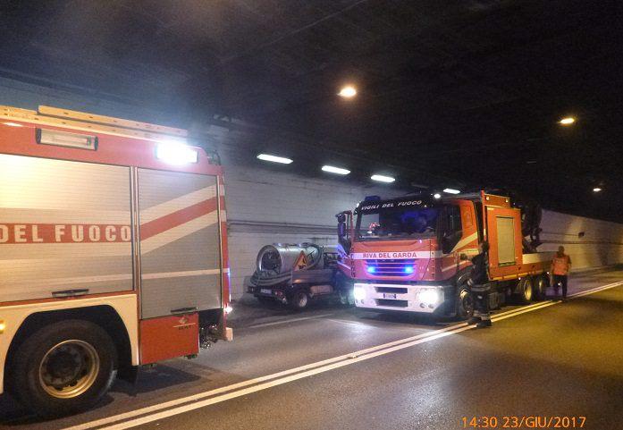 incendio galleria Riva del Garda 1