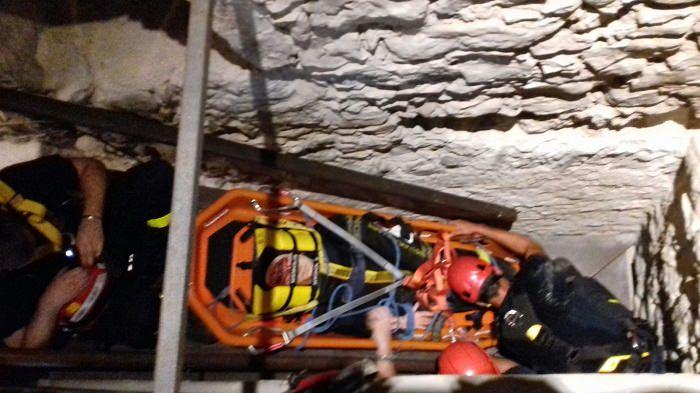Riva del garda i vigili del fuoco simulano l intervento for Piani di cabina della torre di fuoco