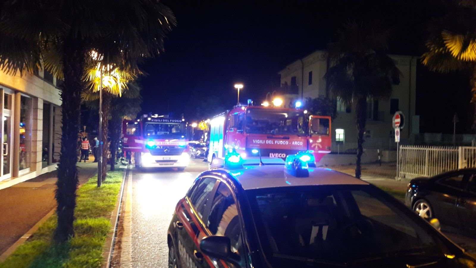 Incendio di un quadro elettrico in garage interrato for Due piani un garage per auto