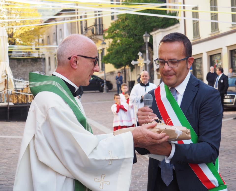 don Lucio e il sindaco Pisogne