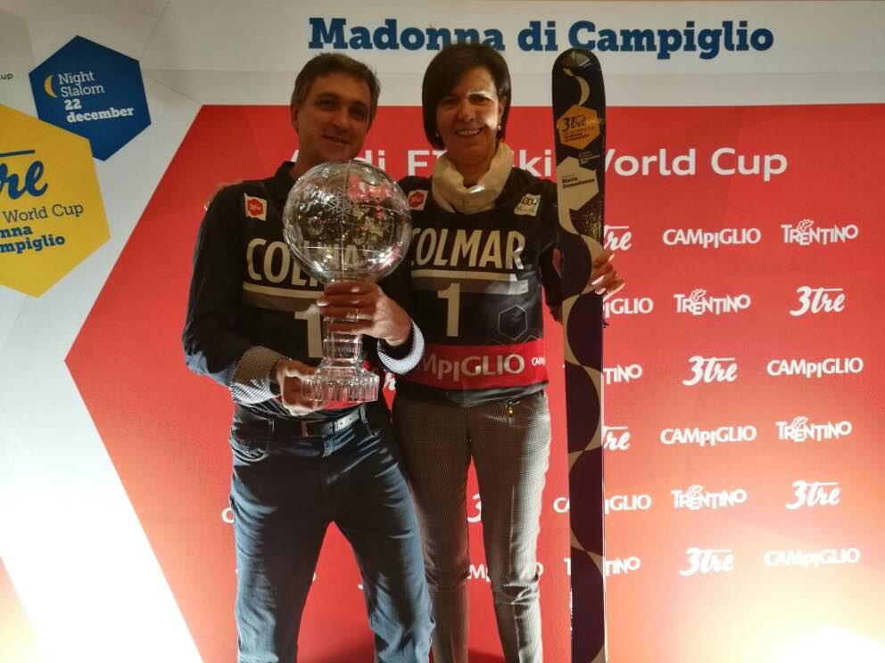 La presidente Maria Demadonna e il Sindaco Renato Girardi con la Coppa del Mondo