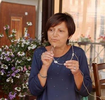 Elena Veclani