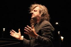 Sold Out per l'anteprima nazionale dello spettacolo di Alessandro Bergonzoni a Breno