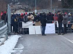migranti protesta
