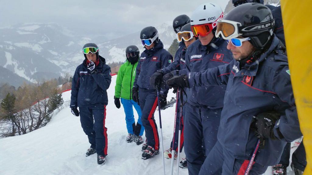 Carabinieri sciatori