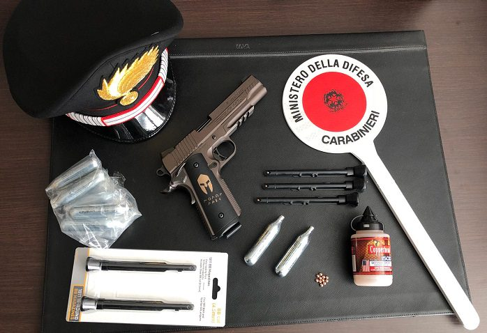 Dimaro pistola carabinieri 1