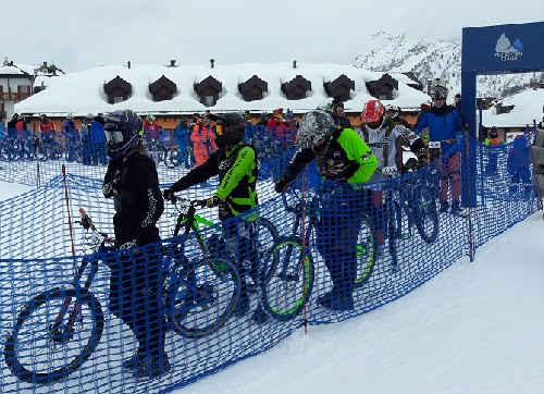Winter Downhill 01
