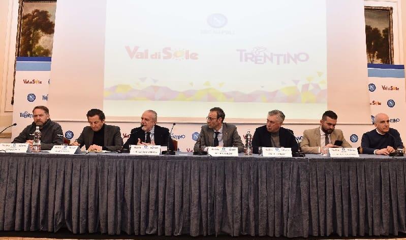 Da sinistra Luciano Rizzi, Maurizio Rossini, Aurelio de Laurentiis, Roberto Failoni, Carlo Ancelotti, Edoardo de Laurentiis e Romedio Menghini