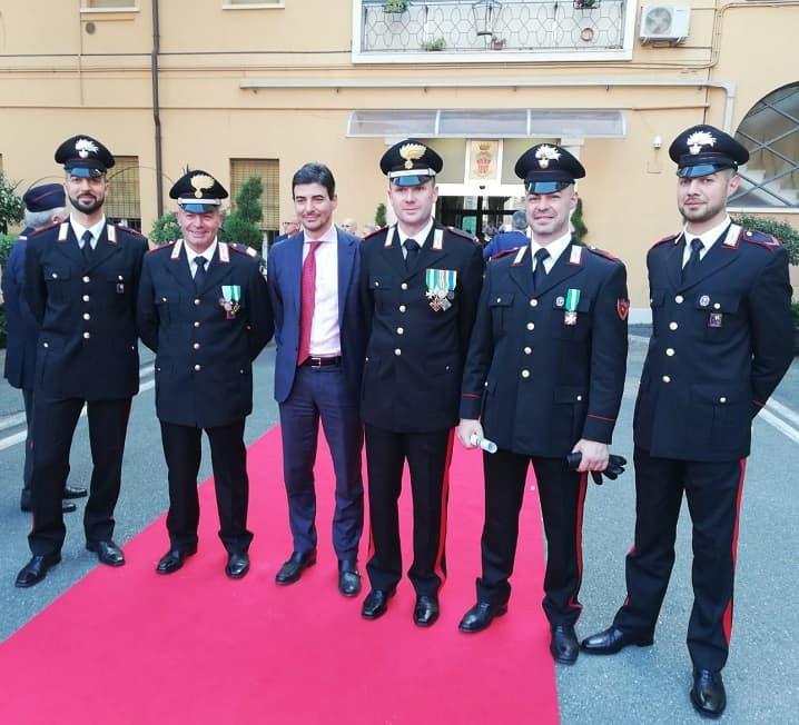 Carabinieri premiati - al centro PM Cassiani