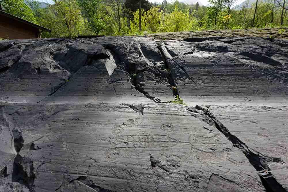 incisioni rupestri camuni